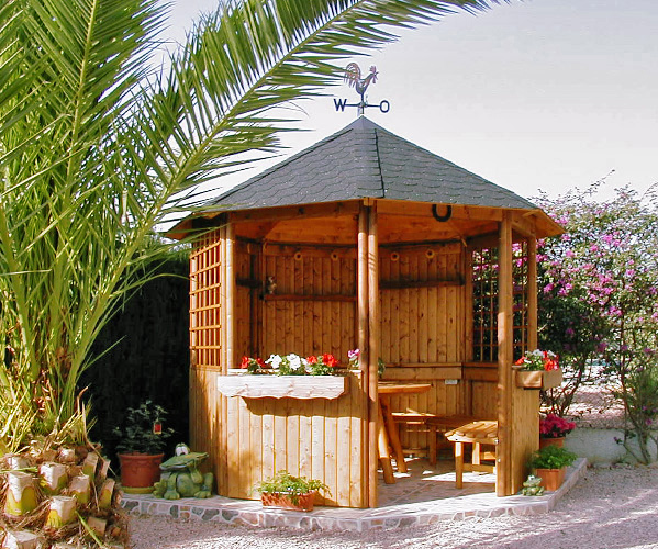 gartenlaube grilllaube und pavillon aus holz offen. Black Bedroom Furniture Sets. Home Design Ideas